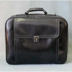 Kožený cestovní kufr