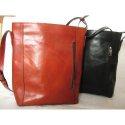 Velká praktická kožená kabelka