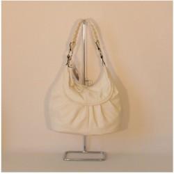 Dámská kabelka s proplétaným držadlem